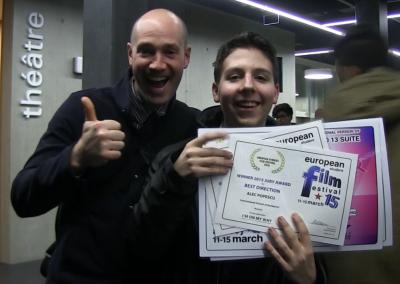 Avec son professeur de film et ses prix dans la main (2)